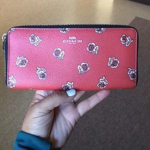 Coach Accordion Floral wallet